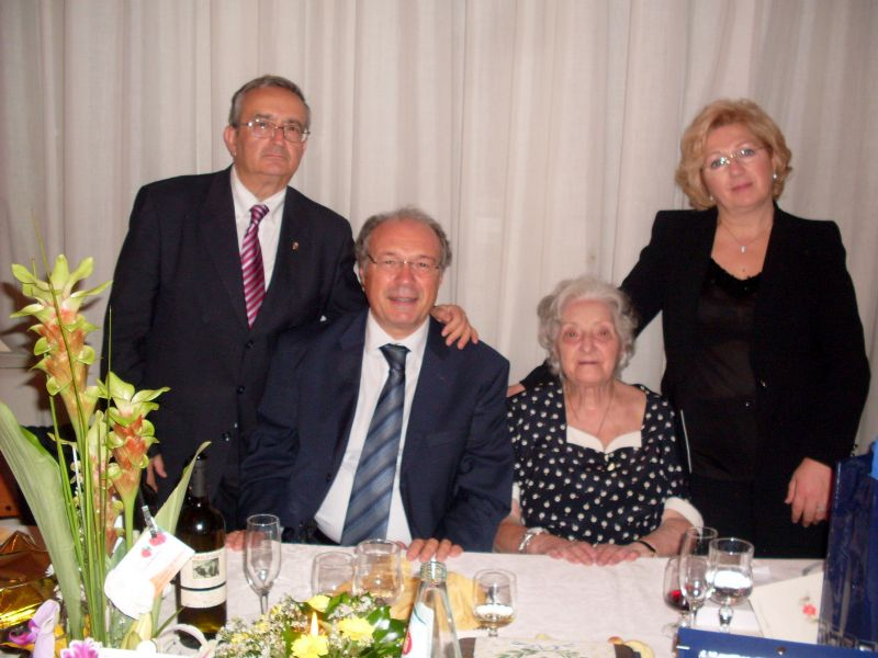 - CENTO-ANNI-DI-ZIA-VITA-LO-IACICONO-4-10-2011-046__sicilia