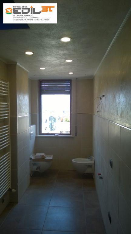 Rifacimento bagno con doccia in muratura e abbassamento in cartongesso e faretti a led edil3t - Illuminazione bagno con faretti ...