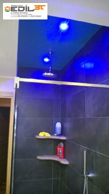 Rifacimento bagno con doccia in muratura e abbassamento in cartongesso e faretti a led edil3t - Illuminazione doccia con led ...