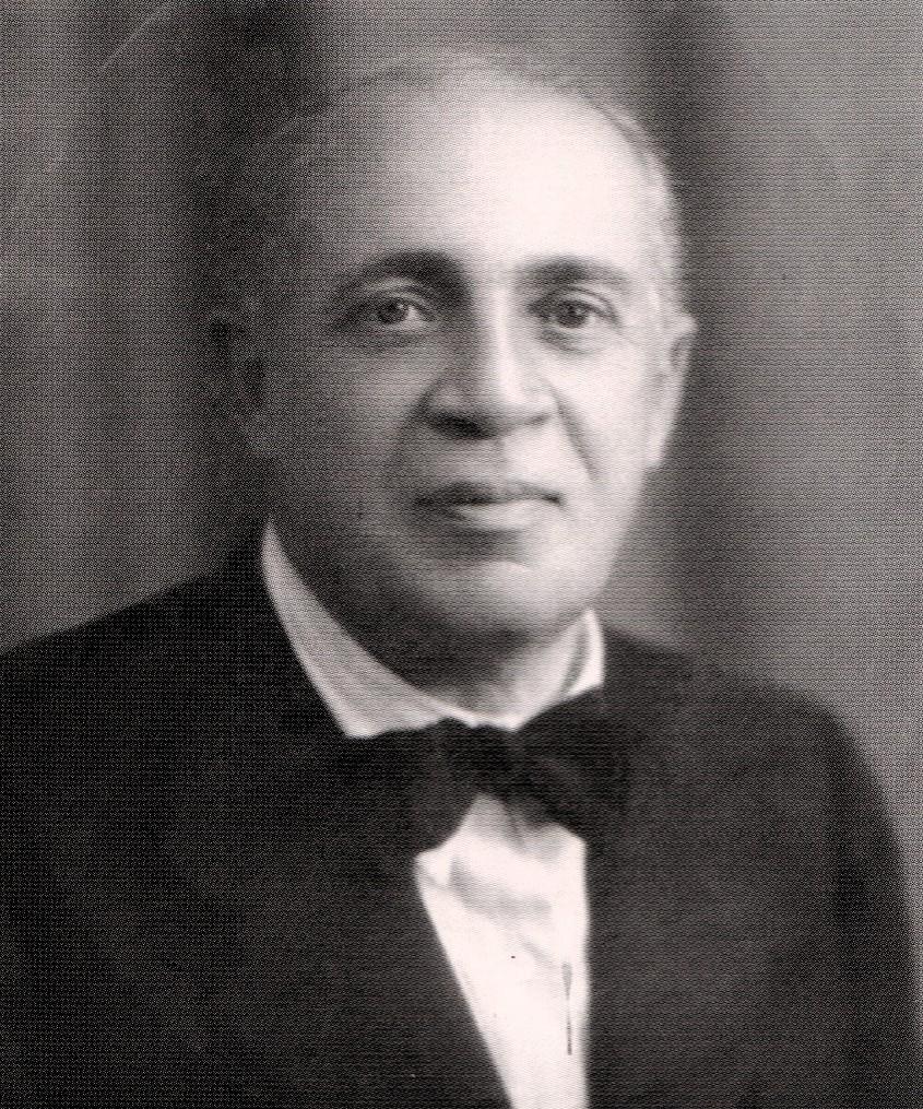 <b>Il prof. Filippo Guccione</b>