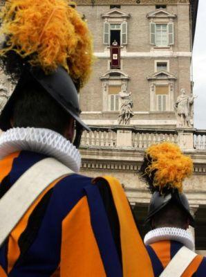 <b>Le guardie svizzere del Papa   -   La divisa   -</b>