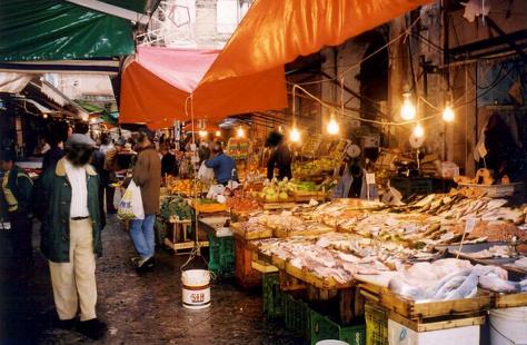 Prefazione di Pino Caruso al libro: �La Cucina Siciliana� di...