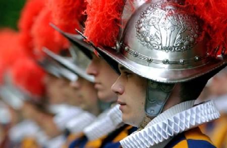 <b>Le guardie svizzere del Papa:     -   Il giuramento delle Reclute   -</b>