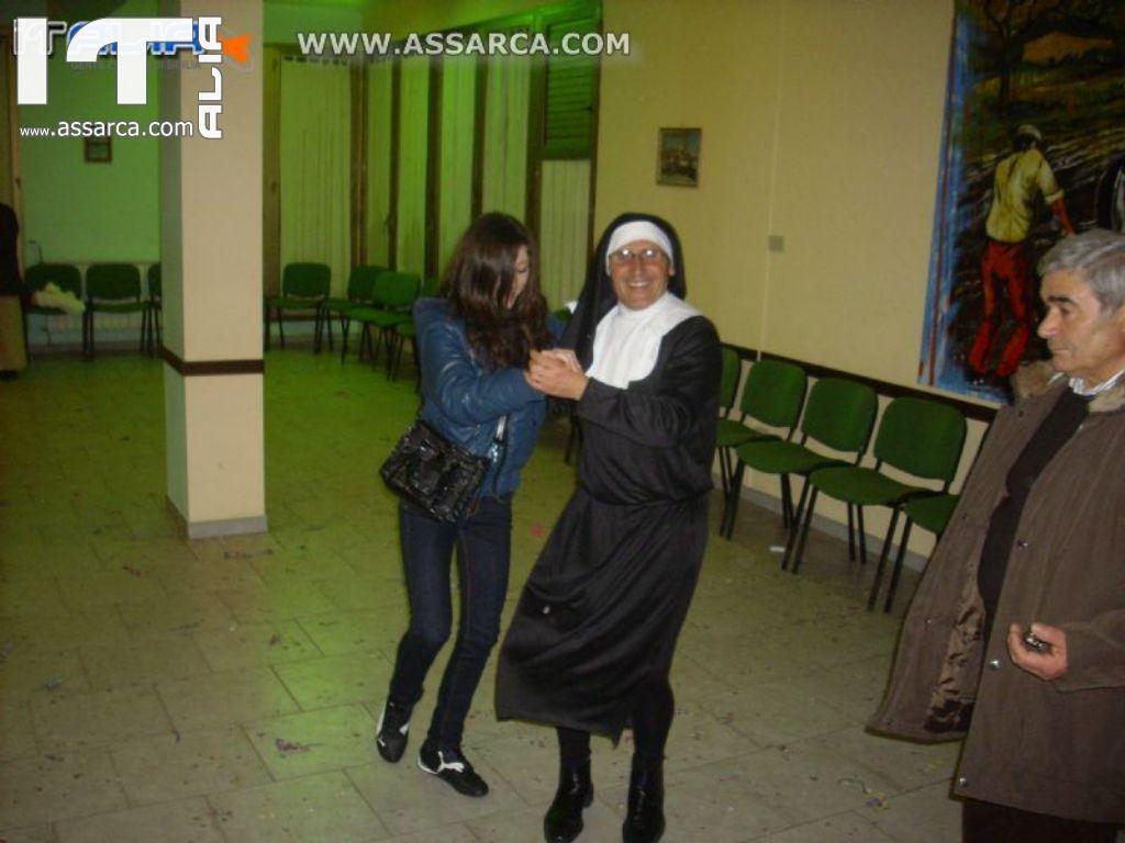 """CARNEVALE 2011 CENTRO DIURNO 5 MARZO 2011 """" SERATA ANIMATA E CONDOTTA DA S. CASTELLO"""""""