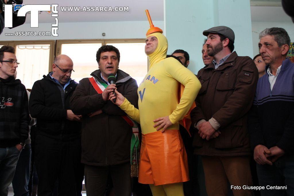 Epifanio Comparetto davanti alle telecamere di Striscia la Notizia. Alia 26/02/2014,