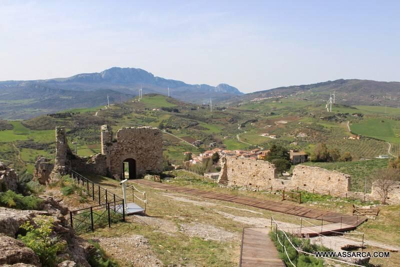 """Le bellezze della Sicilia, Cefalà Diana. """" Il castello Arabo - Normanno - Borbonico"""".,"""