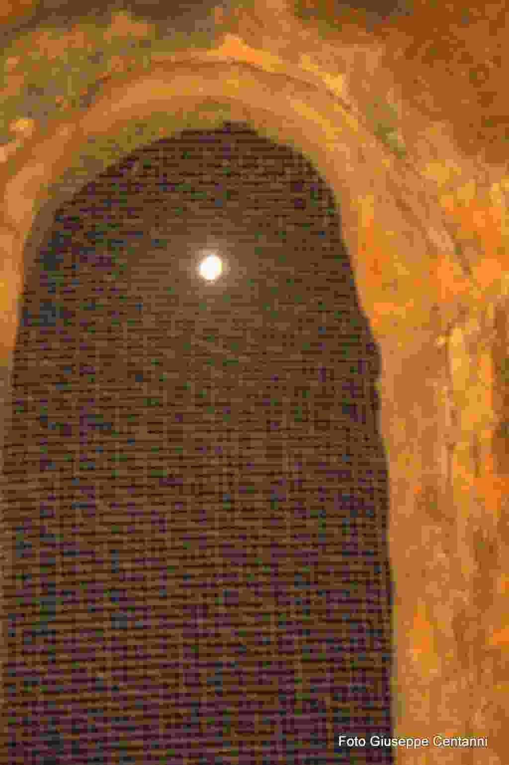 """Notte di Teatro e musica alle grotte della Gulfa, """"Voci alla Luna"""" Alia  2 settembre 2017"""