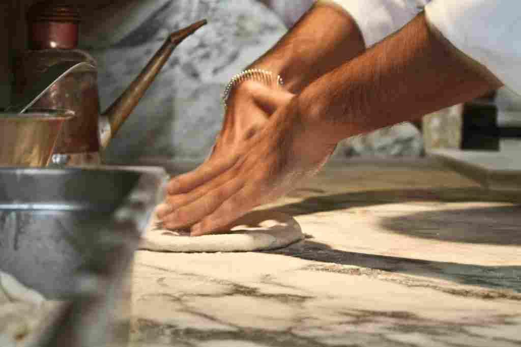 Londra, una multinazionale cerca pizzaioli o aiuto chef: dove inviare il curriculum