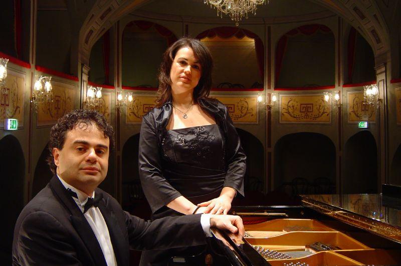 MASCALUCIA (CT) - Esibizione del Soprano greco - italiano Alexandra Oikonomou ed il pianista Daniele Petralia.