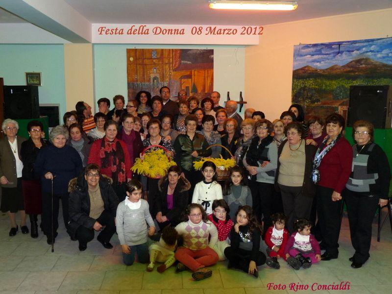 """Alia: Centro Diurno Anziani """" Festa della donna 2012"""""""
