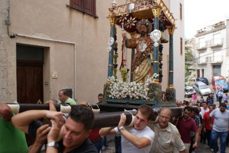 Gratteri (PA): la festa di San Giacomo tra fede e big della musica italiana