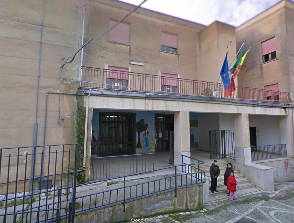 Continua il programma di interventi dell�Amministrazione Todaro per l�adeguamento e il miglioramento delle scuole