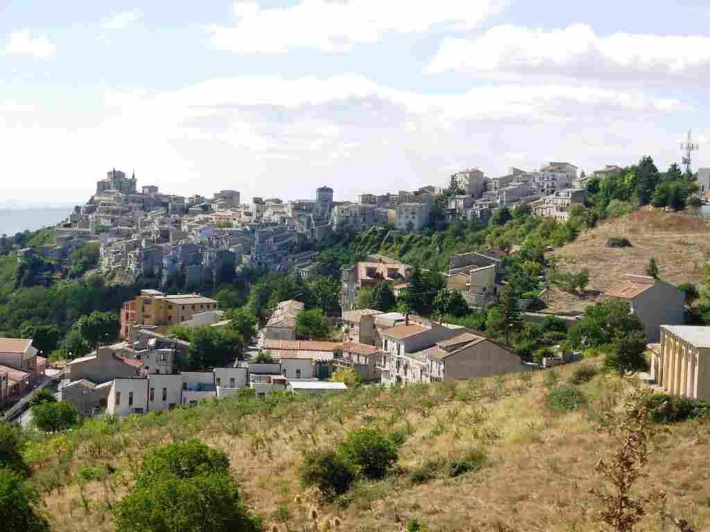 Petralia Soprana; tra i tre comuni siciliani scelti da Airbnb