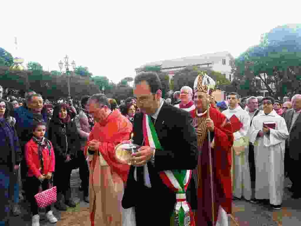 DIOCESI CEFALU�. GANGI, DUEMILA FEDELI PER ACCENSIONE DELLA LAMPADA DELLA PREGHIERA