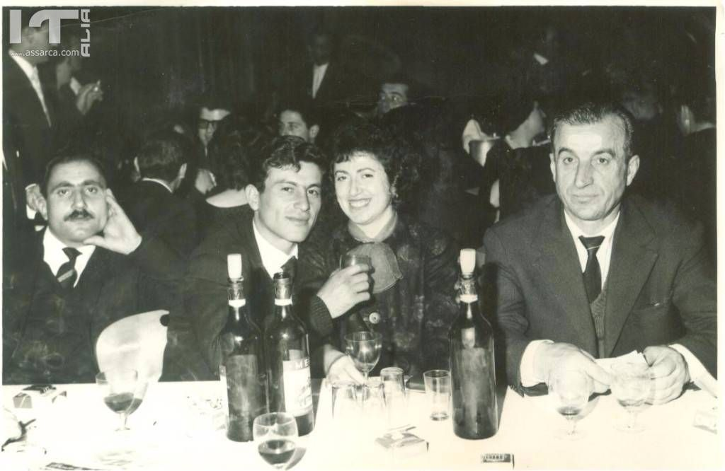 A SINISTRA NELLA FOTO CARMELO MAIMONE (IN SVIZZERA) - ANNI 60