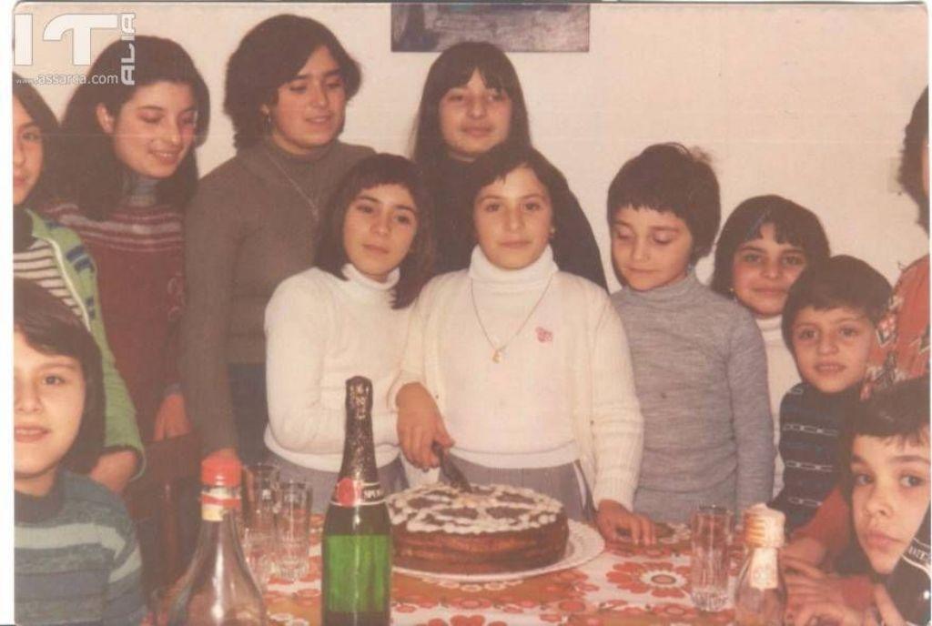 Foto di gruppo in un compleanno