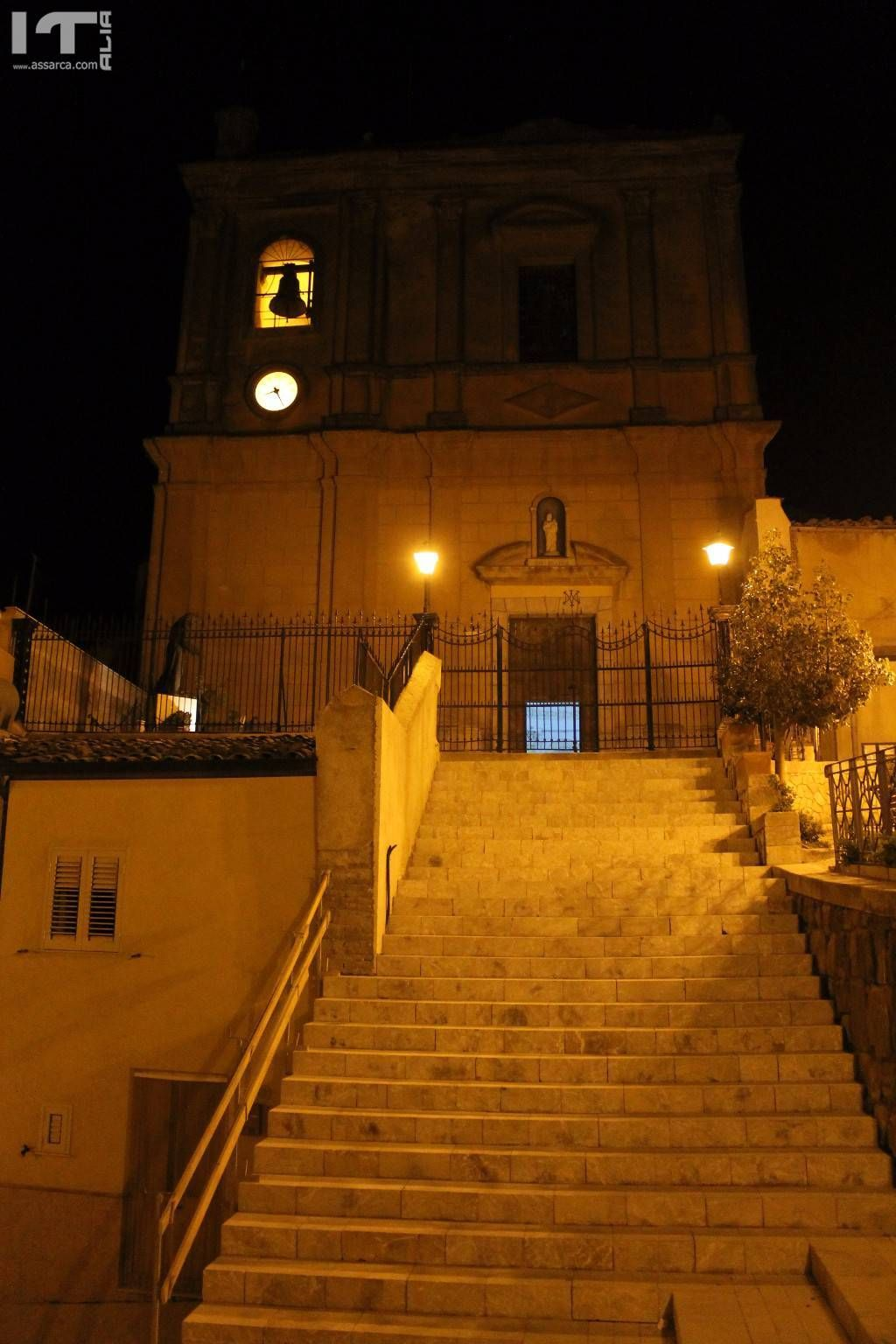 LA CHIESA MADRE BY NIGHT