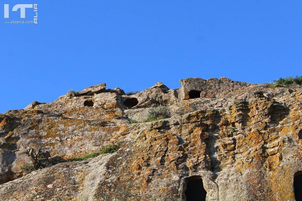 Tombe neolitiche alla Gurfa