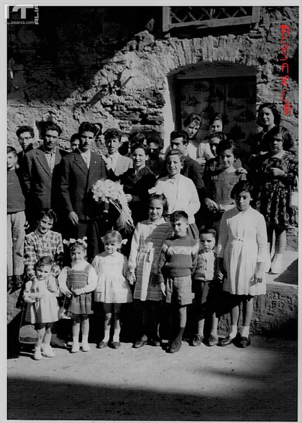 ALIA,VIA FORTUNA MATRIMONIO DI SALVATORE BARCELLONA E MANCUSO LUCIA, ANNO 1960. NELLA FOTO CON LA MAMMA MARIA SPARACELLO.