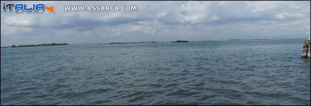 Laguna veneta: panoramica con isole di Burano e Murano (Venezia)