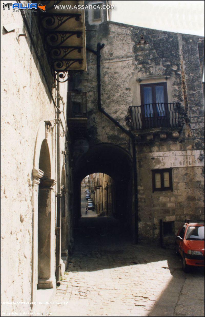 PETRALIA SOTTANA -1993