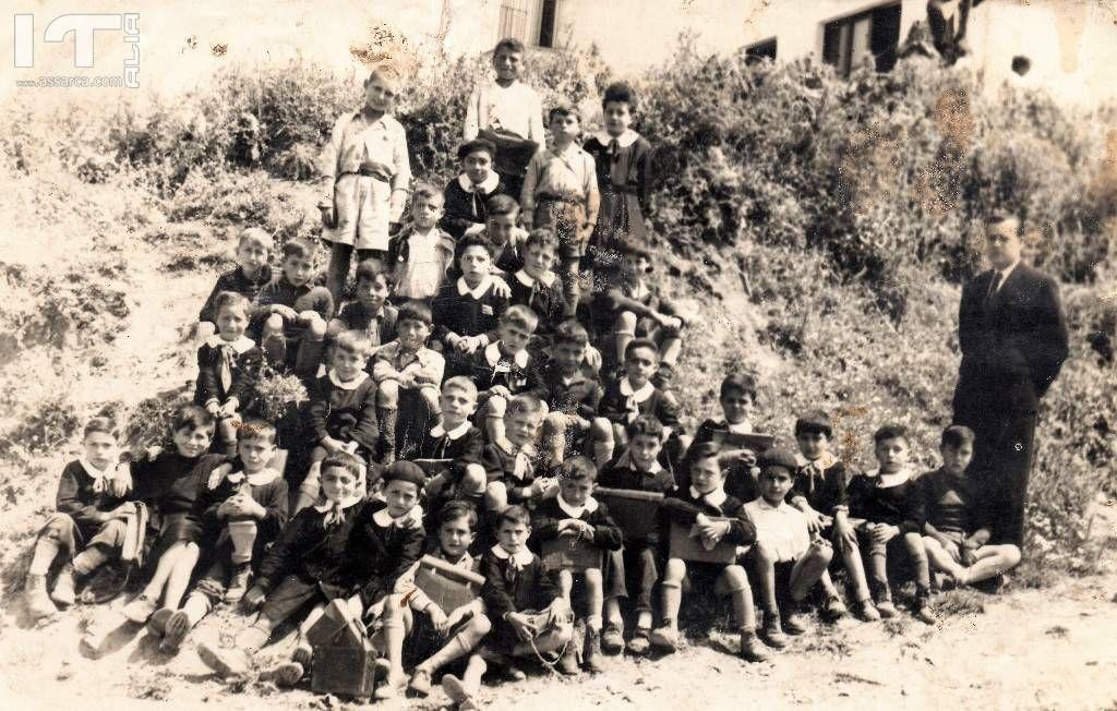 Classe 3^ elementare anni cinquanta. - Maestro Lombardozzi