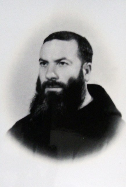 <b>Padre Sante Centanni</b>