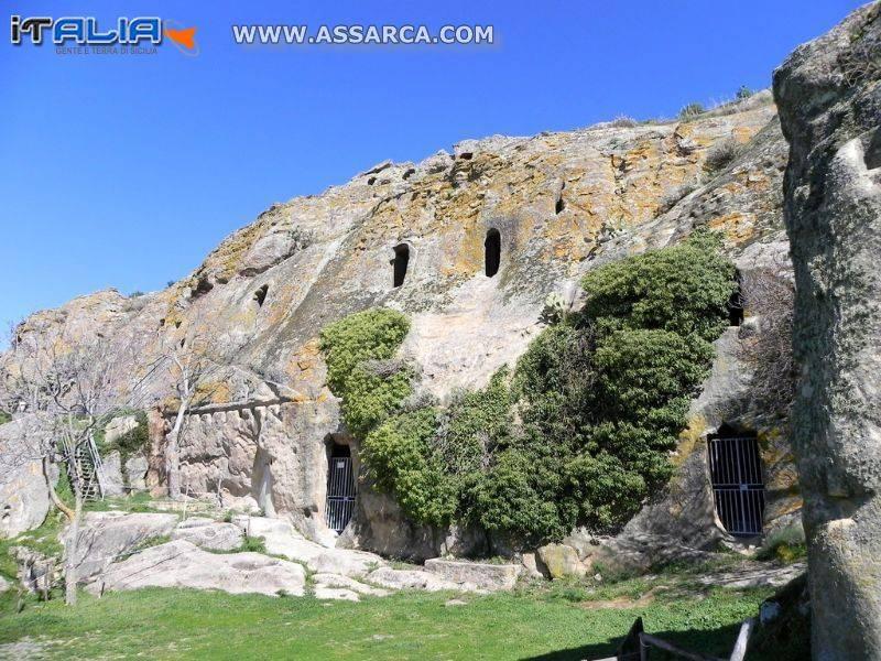 Vota le Grotte della Gulfa al FAI