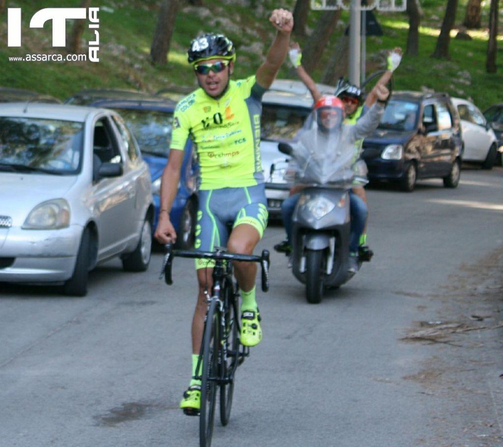 """L`atleta Aldo Barbera della A.S.D. Fiamma si aggiudica il primo posto assoluto nell`ultima gara del campionato ciclistico amatoriale siciliano, conquistando la vittoria sul """"Monte Pellegrino""""."""