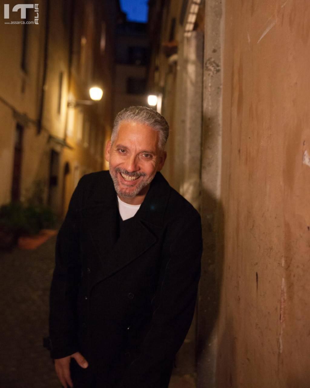 Giuseppe Fiorello...( Gli orologi del diavolo)