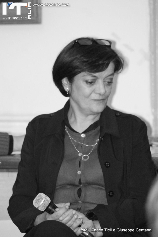 LA FABBRICA DELLA CULTURA   OSPITA  ANNA  BURGIO AUTRICE DI SERAFINA E DOVE MI PORTI