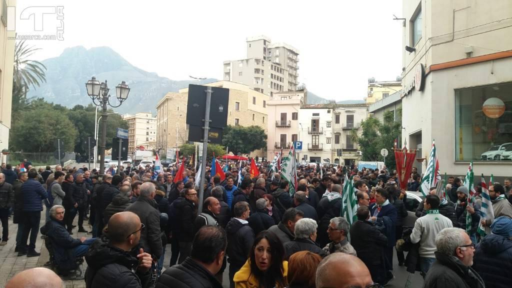 Lavoratori della Blutec in sciopero