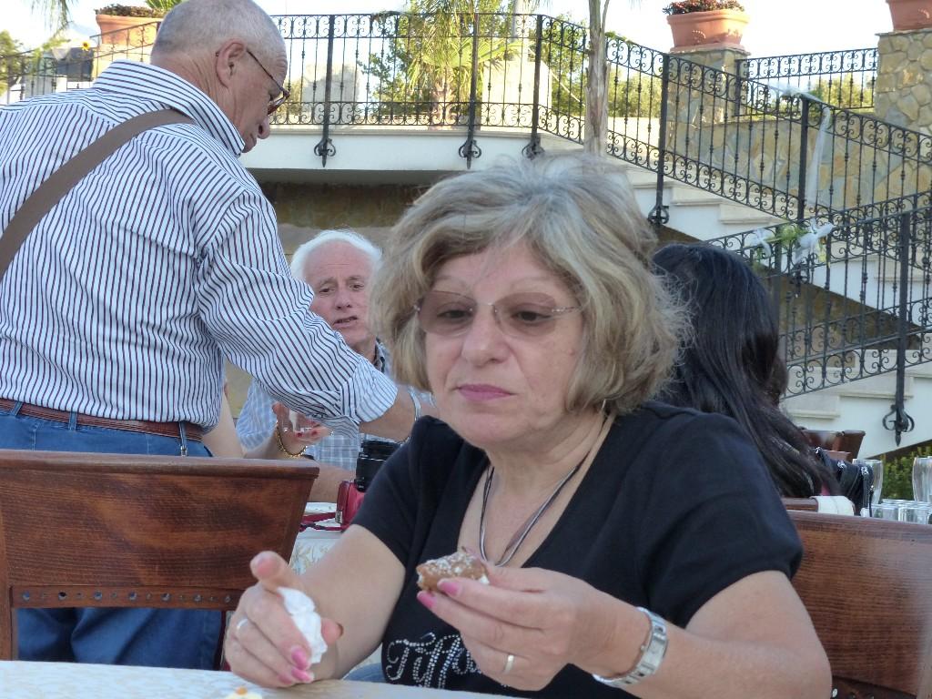 """PINA ESPOSTO SALUSTRO INCONTRA PARENTI ED AMICI A """" VILLA DAFNE """" - DOMENICA 27 LUGLIO 2014"""