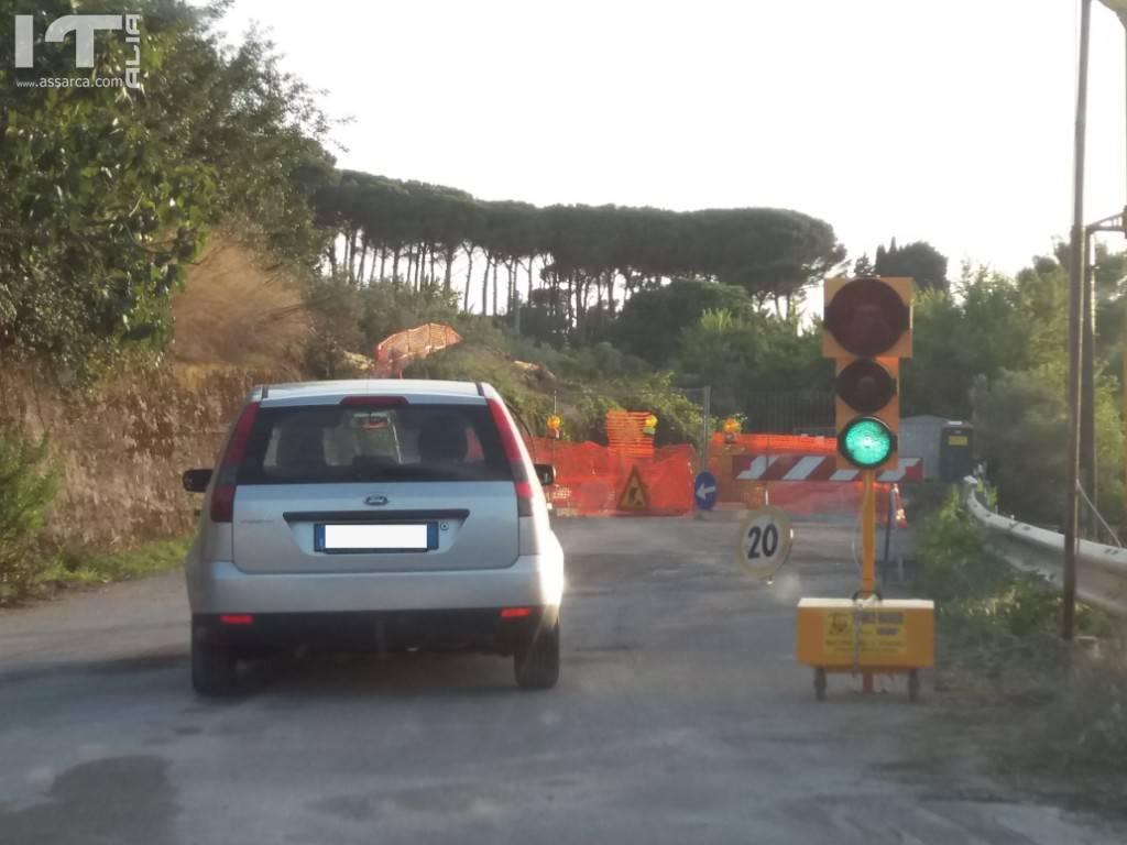SP7 lavori di ripristino area franata, installati i semafori
