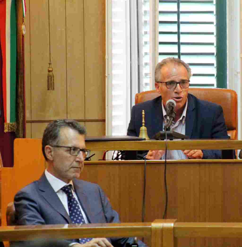 ALIA 27 GIUGNO 2017 -  1� CONSIGLIO COMUNALE SINDACO ING. FELIC...