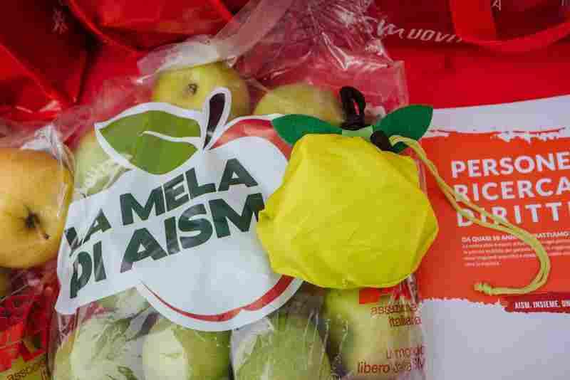ALIA - Il 4, 5 e 6 ottobre raccolta fondi �La Mela di Aism 2020�