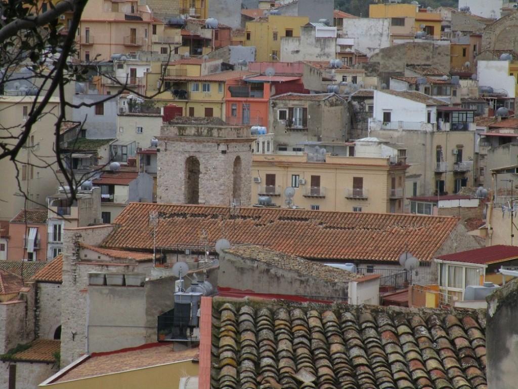 Termini Imerese, scivola il tetto della Chiesa di S. Orsola: a rischio gli affreschi della volta. BCsicilia e La Casa di Stenio scrivono alla Soprintendenza e alla Curia