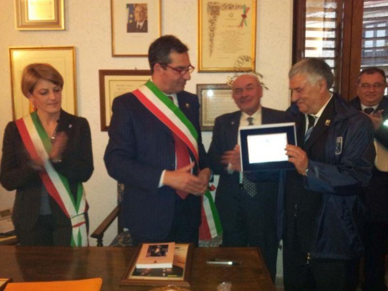 Il discendente di Joe Petrosino e una delegazione del Comune di Padula in visita a Castronovo di Sicilia