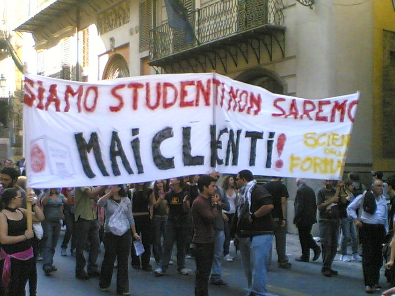 TENSIONE ALLE STELLE IN UNIVERSITA' E LICEI, CALENDARIO DI PROTESTE IN SICILIA