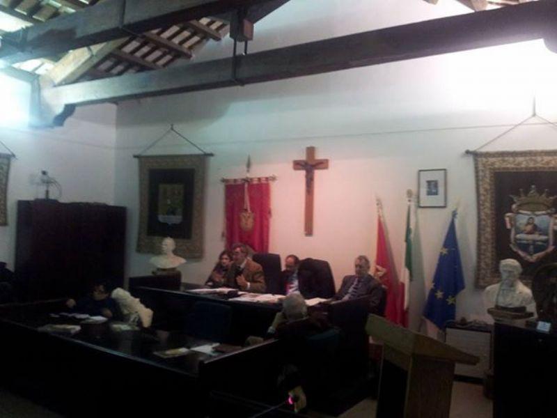 Tenutosi alla Sala delle Capriate del Municipio di Cefalù il convegno sul tema �Organizziamoci per la tutela della salute e i diritti ai cittadini�.