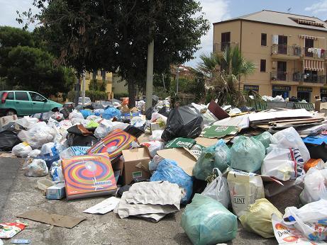 Emergenza rifiuti, Lombardo commissaria il Coinres