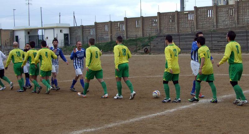 Calcio ALIA: Notte fonda alle falde del castello