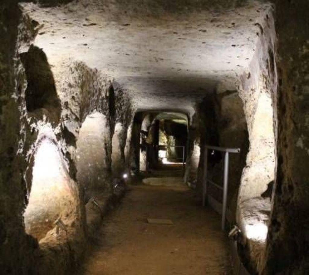 Visita guidata alla Catacomba di Villagrazia di Carini nell�ambito del Corso di Archeologia organizzato da BCsicilia