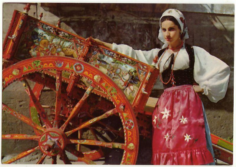 Palermo. Lezione del Corso sui Beni Etno antropologici. Si parla di abbigliamento tradizionale siciliano