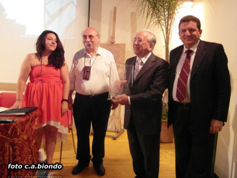 CEFALU`: Speciale Premio Ruggiero II al prof. Tullio