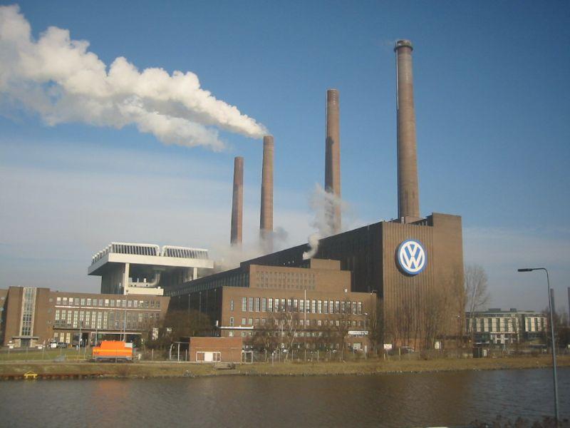 """Wolfsburg, la città degli """"italianen"""". Quando i romeni eravamo noi"""