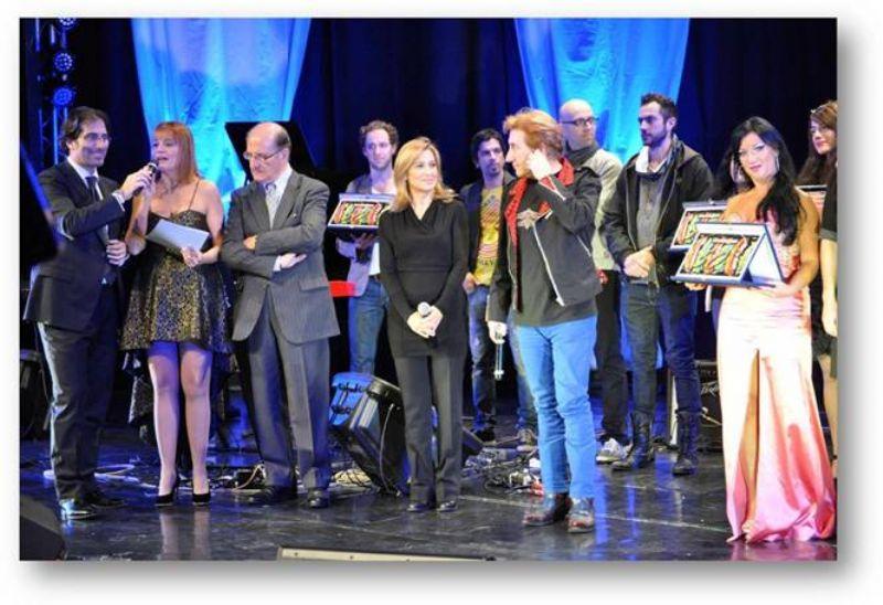 ACI BONACCORSI (CT) - Musica, cabaret, moda, danza ed auto d`epoca alle Finali Siciliane del Cantagiro 2013.