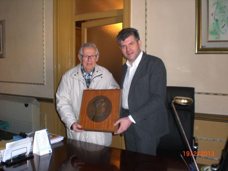 TERMINI IMERESE (PA): Donati al Comune una medaglia bronzea di Filippo Sgarlata e due documenti di Liborio Arrigo