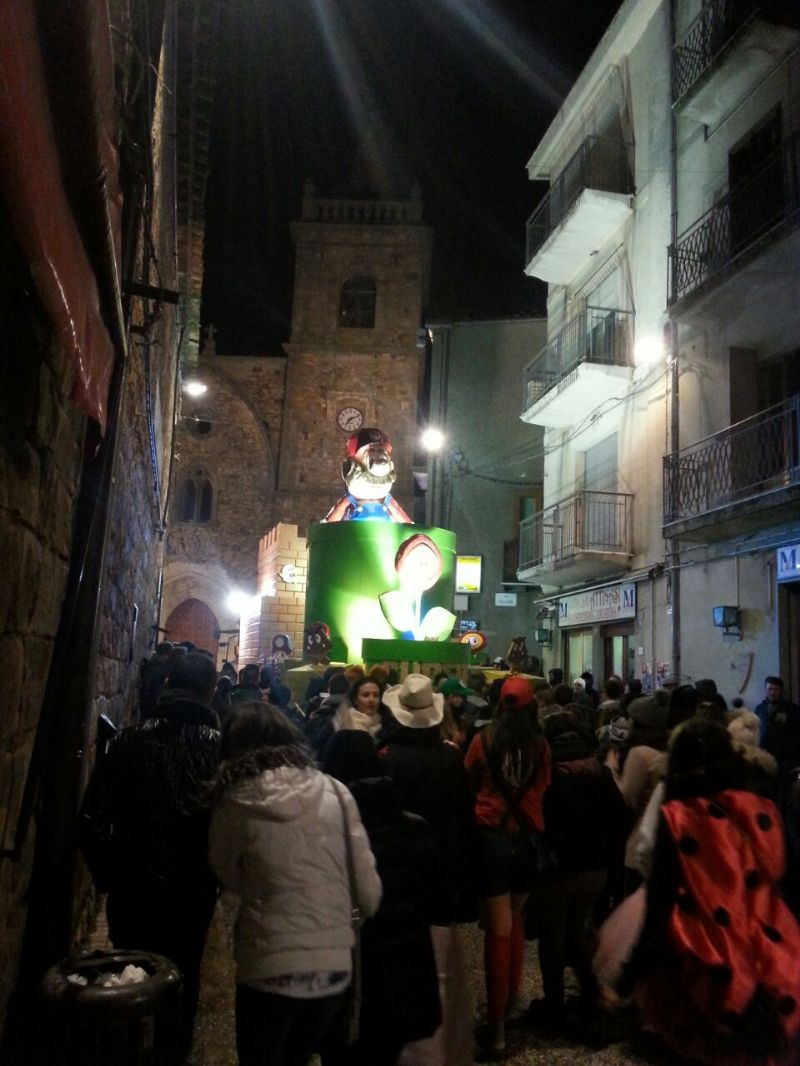 GERACI SICULO, CARRI E ALLEGRIA PER IL CARNEVALE 2015