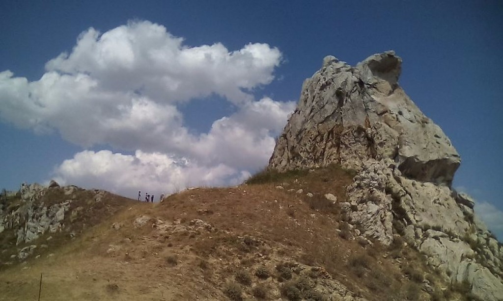 Un singolare ed imponente sito megalitico sulle Serre di Villalba